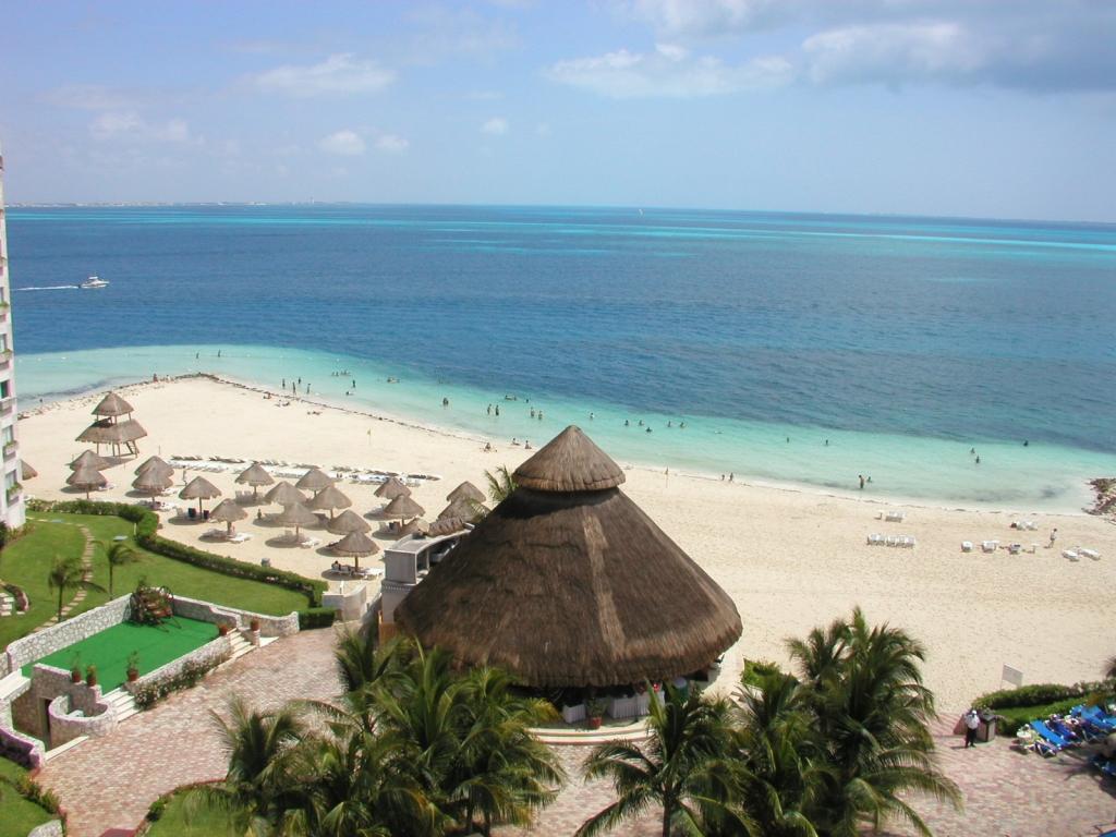 Playa Langosta Cancun