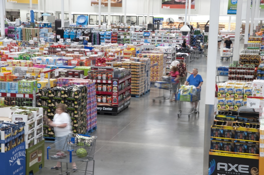 Costco enjoying a small boost from Sam's Club closures