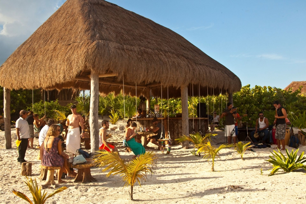 Bar pancho villa tulum quintana roo for Villas tulum