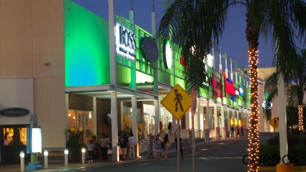 plazas outlet cancun quintana roo